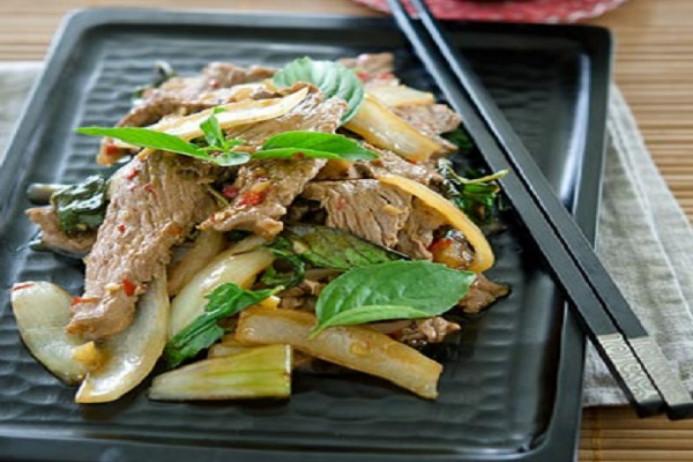 món thịt bò xào lá húng quế