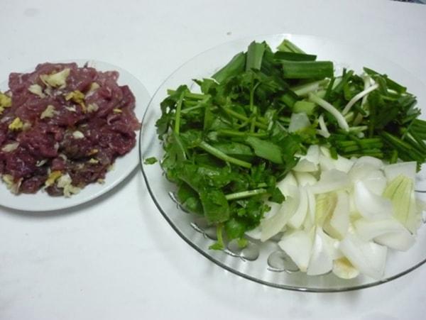 Nguyên liệu làm món thịt bò xào cần tây