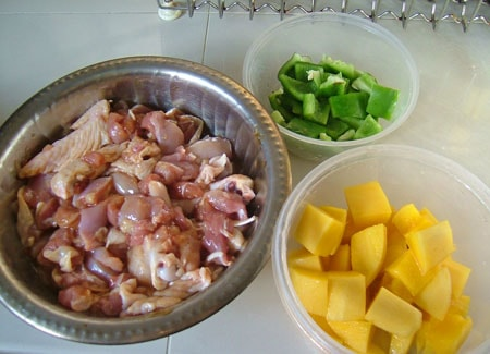 Hướng dẫn cách làm món gà xào xoài