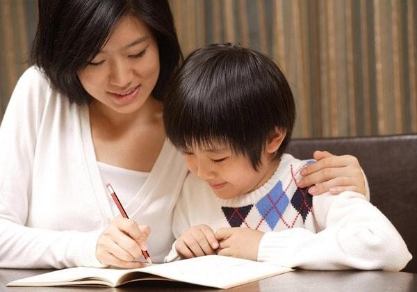 Gia sư tiếng Anh tại nhà, giáo viên có thể hỗ trợ bé cụ thể, chi tiết
