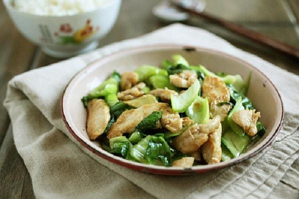 Các món thịt gà xào - Cách làm thịt gà xào rau cải