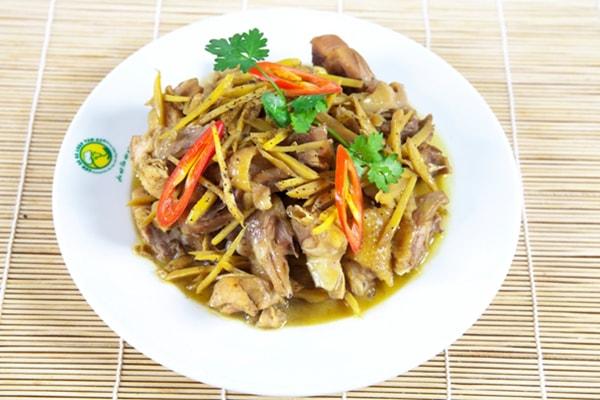 Mách bạn công thức làm thịt gà xào gừng kiểu Thái