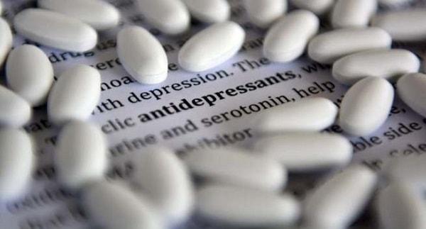 Không nên tự ý ngưng uống thuốc chống bệnh trầm cảm 2