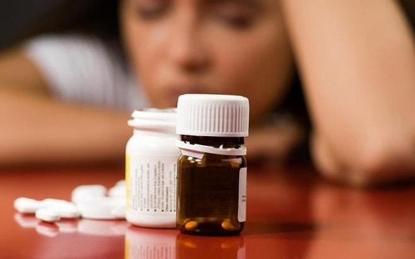 Không nên tự ý ngưng uống thuốc chống bệnh trầm cảm 1