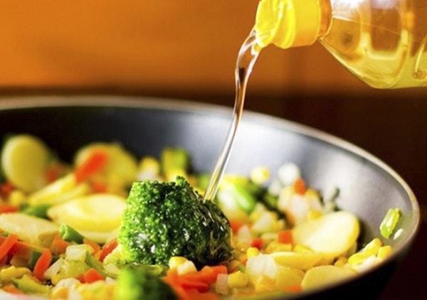 Những loại dầu ăn được sử dụng phổ biến 1