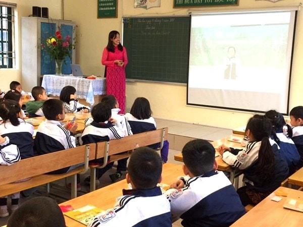 10 mẹo giúp giáo viên tiểu học giảng bài thu hút hơn 3