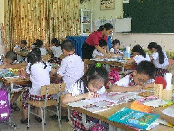 10 mẹo giúp giáo viên tiểu học giảng bài thu hút hơn