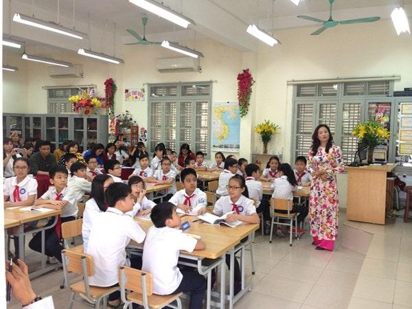 10 tình huống thách thức giáo viên tiểu học và cách xử lý 2