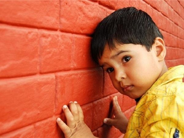Phân biệt bệnh trầm cảm và tự kỷ ở trẻ em 1