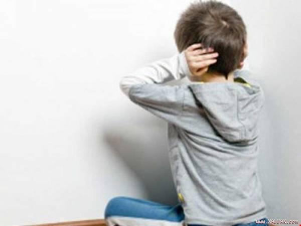 Phân biệt bệnh trầm cảm và tự kỷ ở trẻ em 2