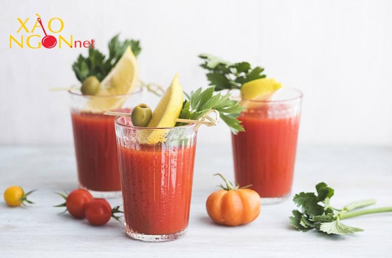 Nước ép cần tây với cà chua