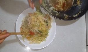 rau bắp cải xào cà chua 6