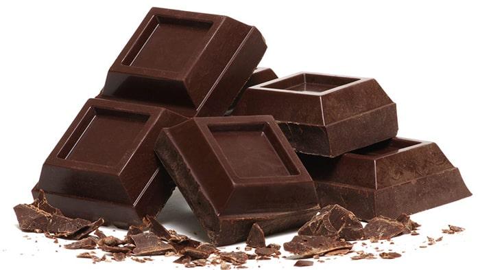 Ăn socola giúp làm giảm cơn thèm thuốc
