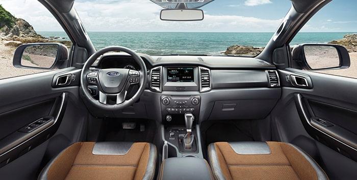 Phần nội thất Ford Ranger được thiết kế vô cùng thoáng đãng