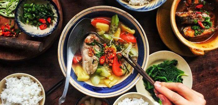 Bữa cơm gia đình người Việt
