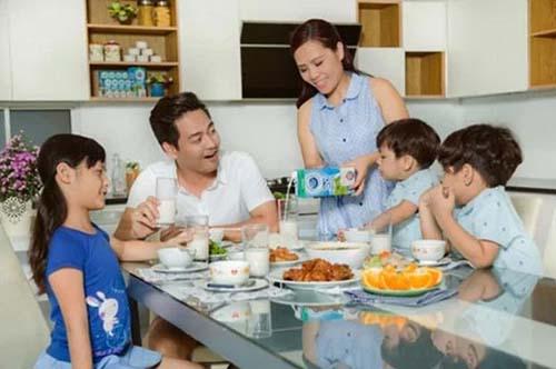 Thực đơn hàng ngày của gia đình MC Phan Anh