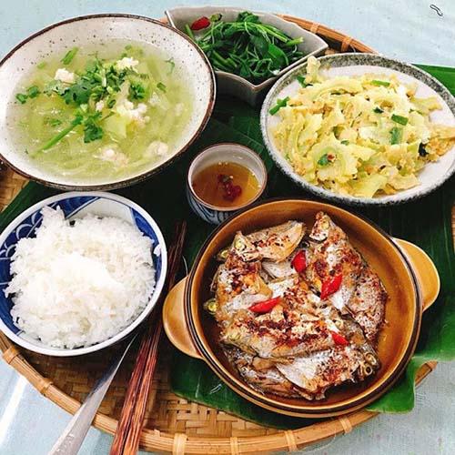 Một sự lựa chọn thực phẩm cho bữa ăn Việt