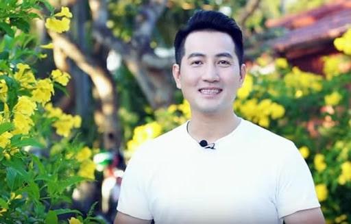 Chàng ca sĩ điển trai độc thân Nguyễn Phi Hùng
