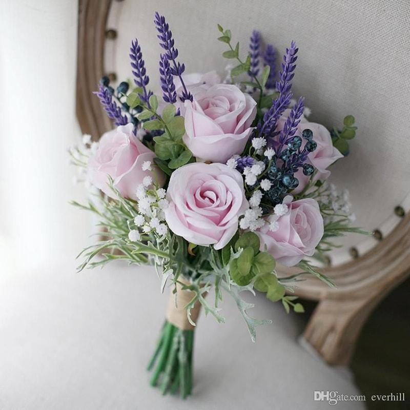 Hoa lavender là mẫu hoa cưới được ưa chuộng vào mùa thu