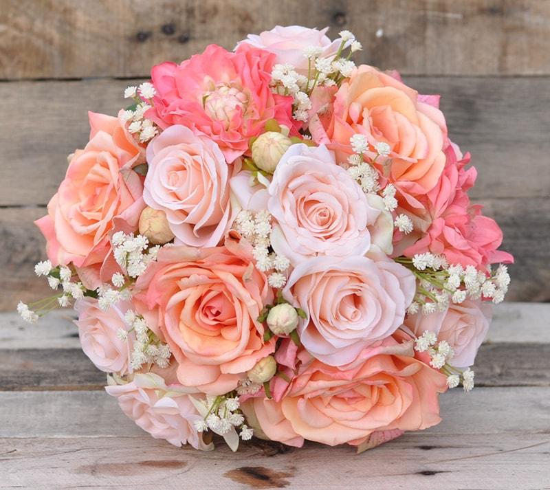 Hoa hồng là mẫu hoa cưới được ưa chuộng vào mùa đông