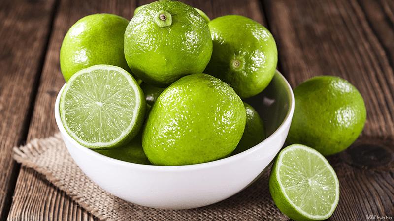 Vitamin C trong chanh có tác dụng làm sáng dần làn da, trị nám và nuôi dưỡng tế bào da chết