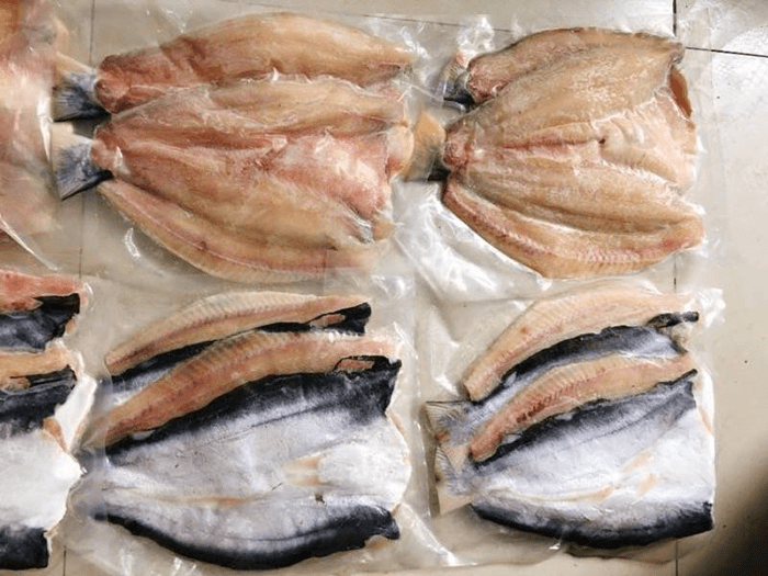 Bạn nên bảo quản cá trong tủ lạnh